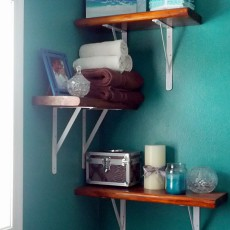 reclaimed wood alternating bathroom shelves