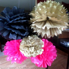 This is the most complete photo tutorial I've found for DIY tissue paper pom poms! Love this craft for easy party decor.