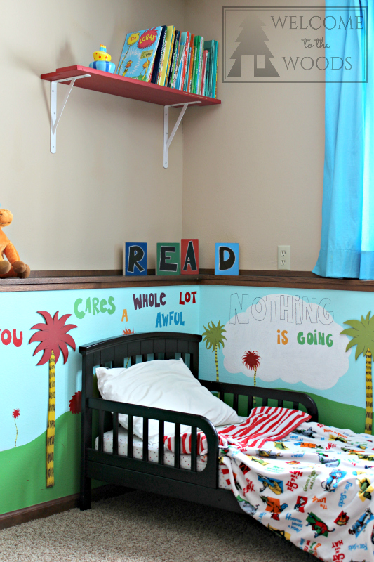 Seuss theme kids room amazing DIY crafty projects.