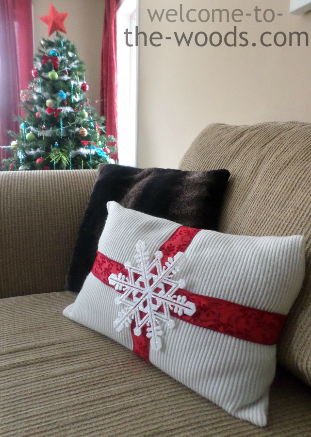 Diy Decorative Christmas Pillows : Christmas DIY Pillow - Welcome to the Woods