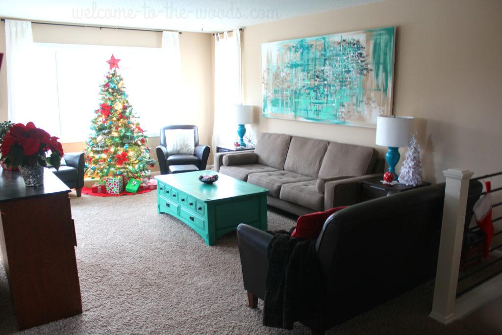 Beautiful living room holiday decor. Christmas decoration ideas.
