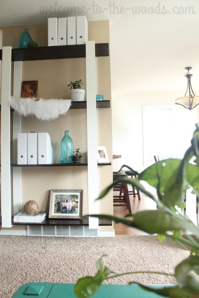 Beautiful modern DIY floating shelves built for just $25! This video tutorial is easy to follow and you will be AMAZED! Pin now!