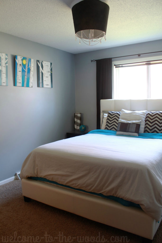 Are you spring cleaning? Learn a hack to get your white bedding looking like new!