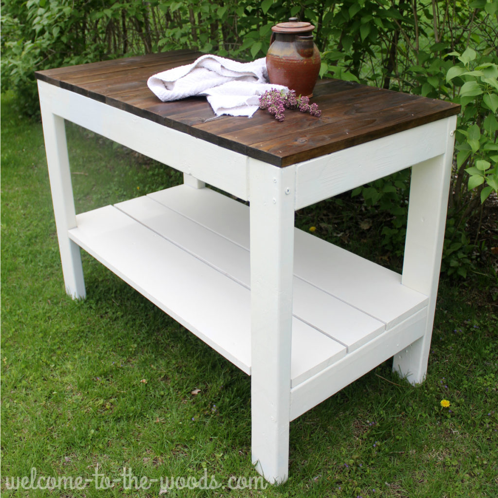 Farmhouse inspired table made from 2 x 4's and 1 x 3's super easy design!