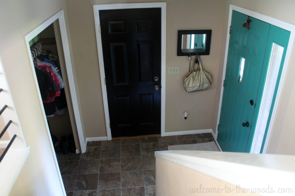 Redo your home's entrance; entryway makeover series to make your home's first impression the best it can be!