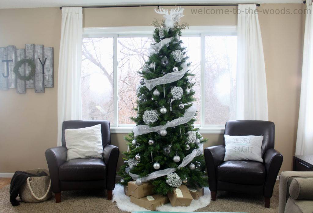 How to decorate your Christmas tree like a designer - video tutorial included!